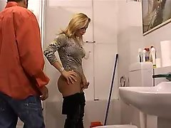 Charming blond tranny w deep throat