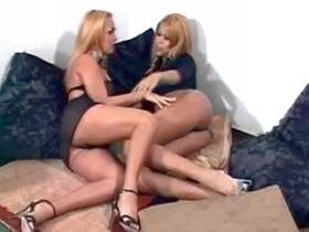 Two blond shemales blow each other